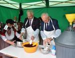 """XI Festiwal Kuchni Regionalnej """"Z wiśniowym smakiem""""."""
